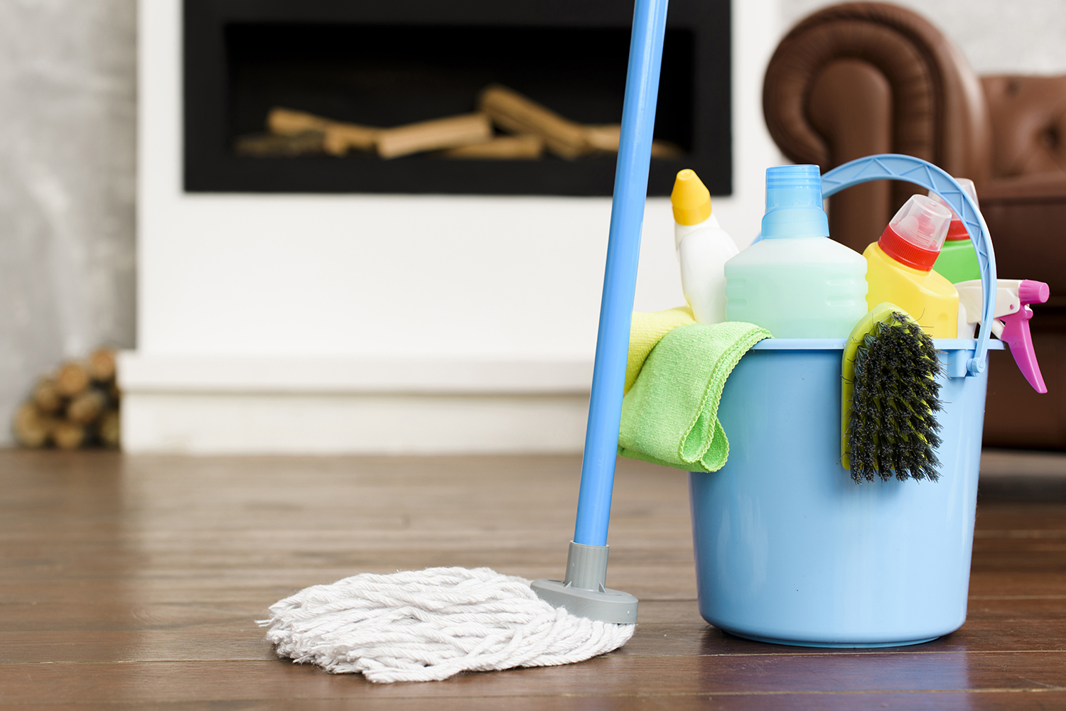 cleaning-set-products-blue-bucket-with-mop